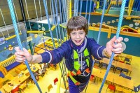 Indoor-Spielplatz mit Kletterpark in Holland